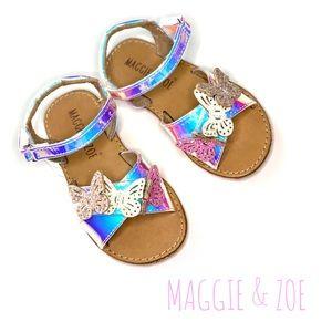 NWT Maggie & Zoe Silver Butterfly Glitter Sandal 7